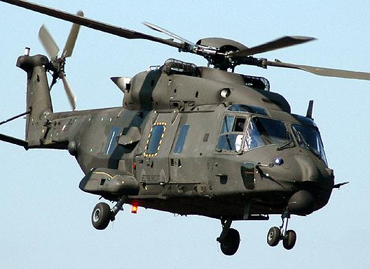 Elicottero 90 : L esercito italiamo riceve il suo primo elicottero nh
